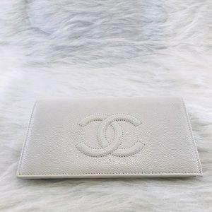 CHANEL Caviar Wallet White